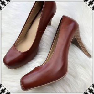 * Mossimo Brown Faux Leather Heels * Pumps Shoes *